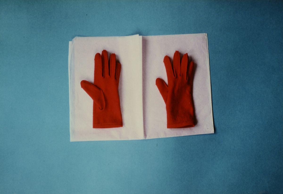 """Dagmar Hartig, Ohne Titel, aus der Serie """"Plastic World"""", 1981, Farbpapier und Collage, Leihgabe der Künstlerin, © VG Bild-Kunst, Bonn 2020"""
