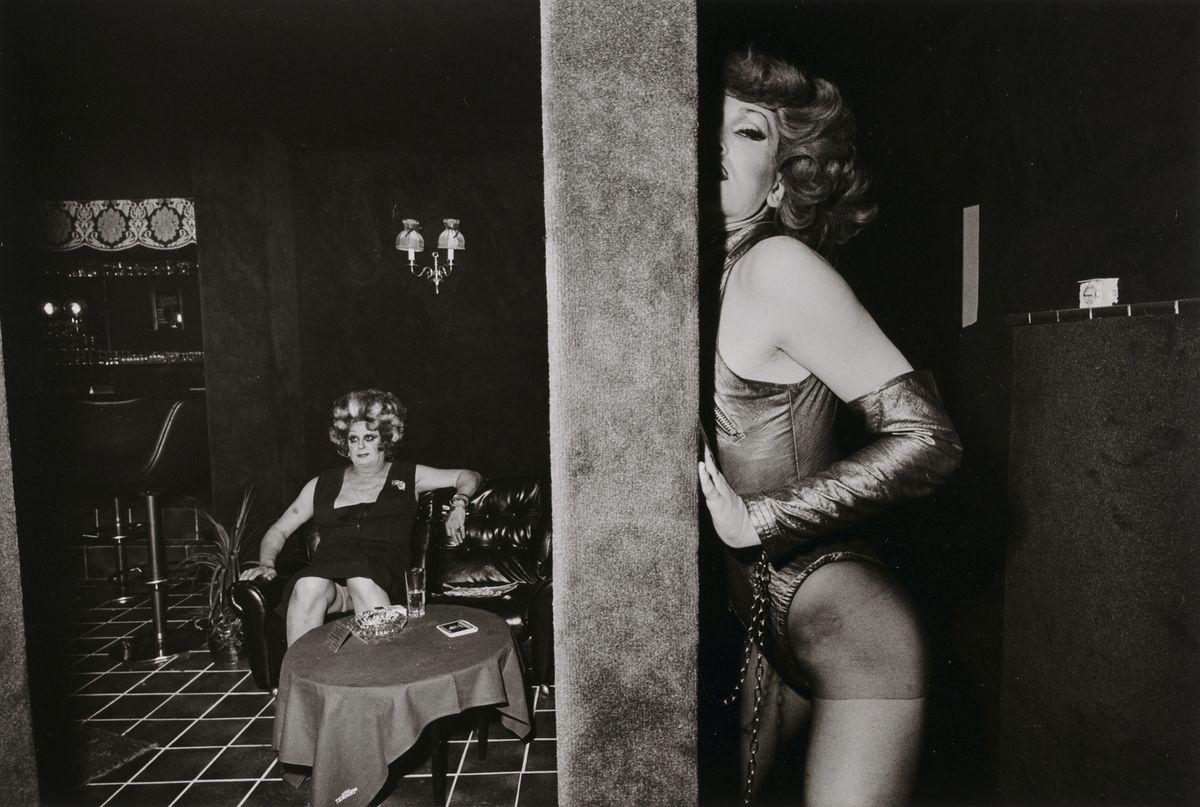"""André Gelpke, Pulverfaß III, 1978, aus der Serie """"Sex Theater"""", Silbergelatinepapier, Museum für Kunst und Gewerbe Hamburg, © André Gelpke"""