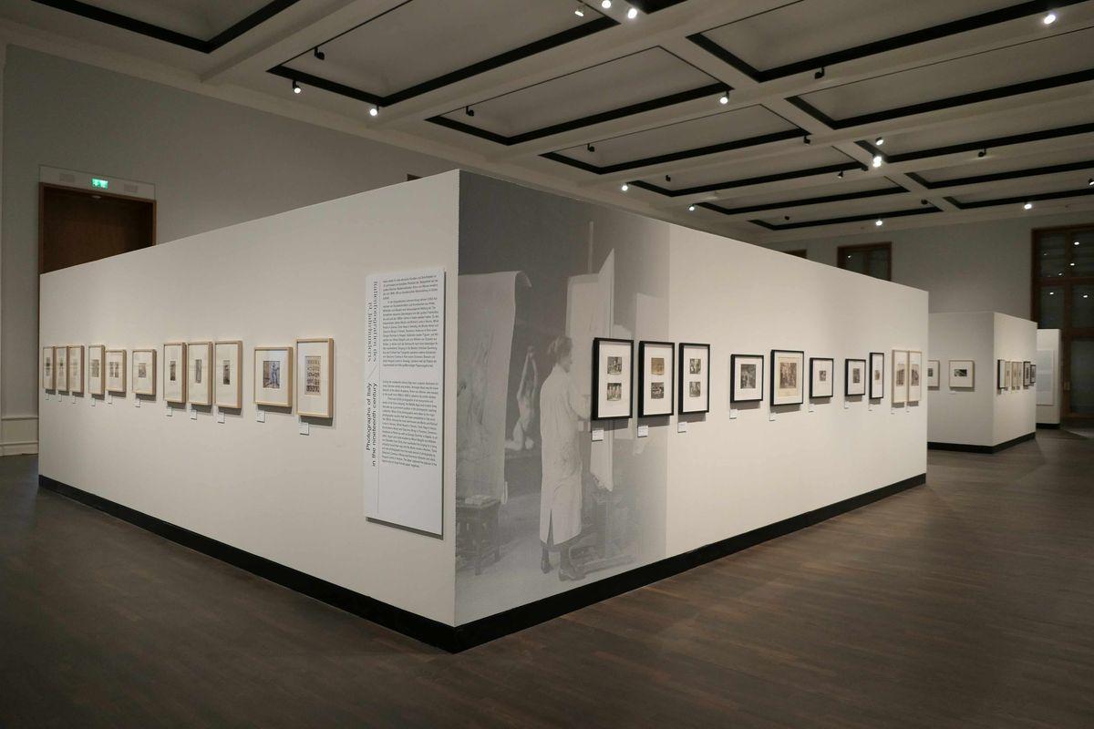 Ausstellungsraum und Hängung im Museum für Fotografie, (c) Staatliche Museen zu Berlin, Kunstbibliothek / August Haverkamp