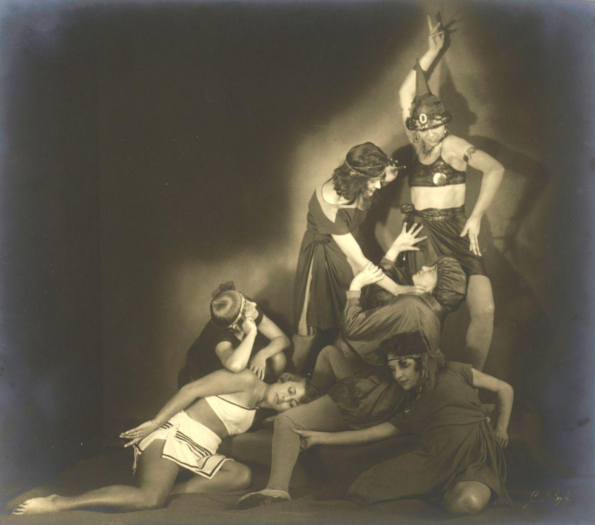 Suse Byk, Laban Gruppe von Hertha Feist Berlin, Tanzstudie Don Juan, 1925 –1926, © Staatliche Museen zu Berlin, Kunstbibliothek